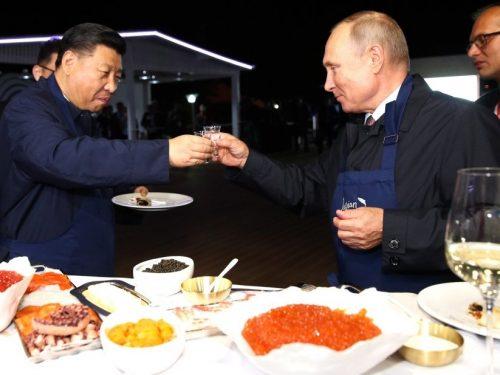 Il Forum economico orientale della Russia conclude per la de-dollarizzazione