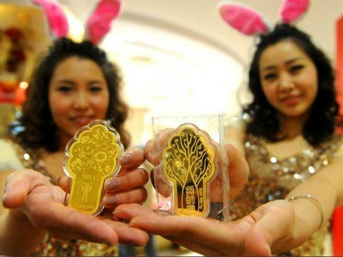 Le potenze emergenti comprano oro temendo il crollo del dollaro