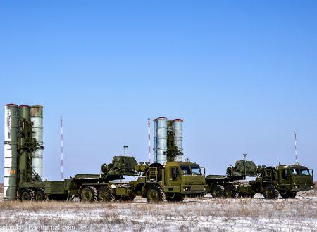 La Russia schiera una divisione di S-400 in Crimea
