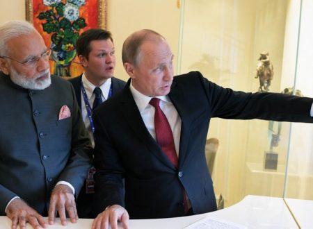 """Modi seppellisce il """"momento unipolare"""" dell'India"""