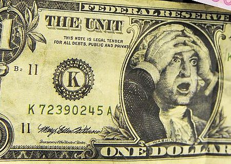 Spirale discendente per il dollaro