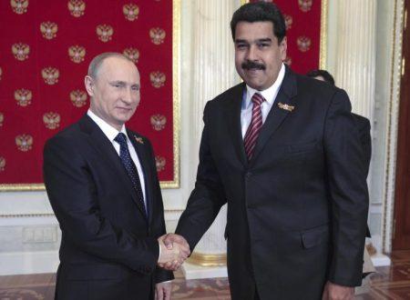 Russia e Venezuela firmano un accordo da 5 miliardi sul petrolio