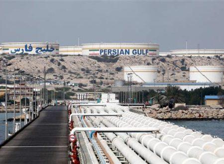 La Cina offre un'accordo petrolifero da 3 miliardi di dollari all'Iran