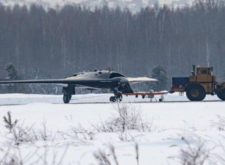 I militari russi svelano un nuovo bombardiere invisibile