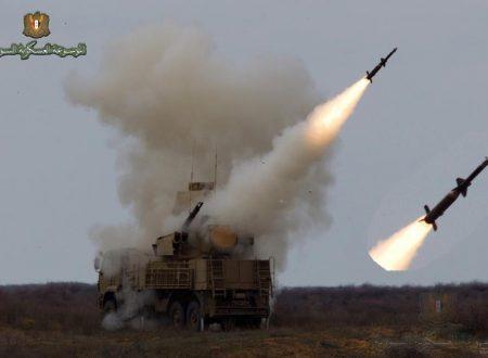 La difesa siriana intercetta i missili israeliani su Damasco