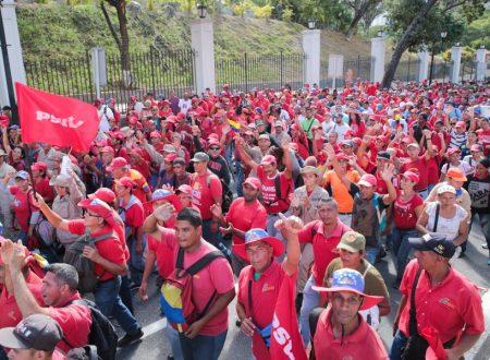 La Cina condanna l'interferenza degli Stati Uniti negli affari venezuelani