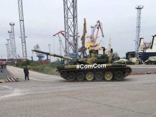 La Russia consegna 30 carri armati T-90S al Vietnam