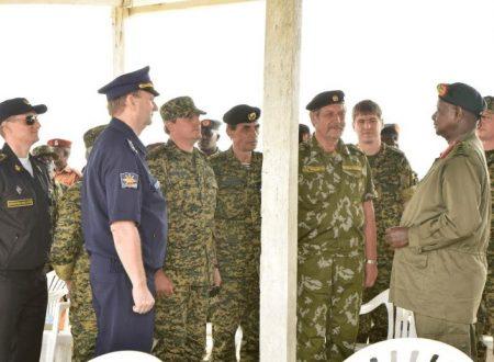 I militari russi addestrano i comandanti carristi dell'Uganda