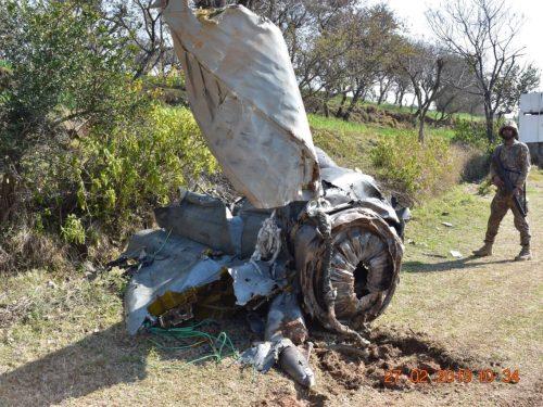 Conflitto aereo tra India e Pakistan: 3 velivoli abbattuti