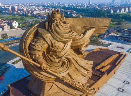 Bannon affronta la Cina con teorie assurde