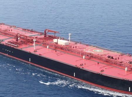 La Cina riavvia gli acquisti di petrolio iraniano, ignorando le sanzioni di Trump
