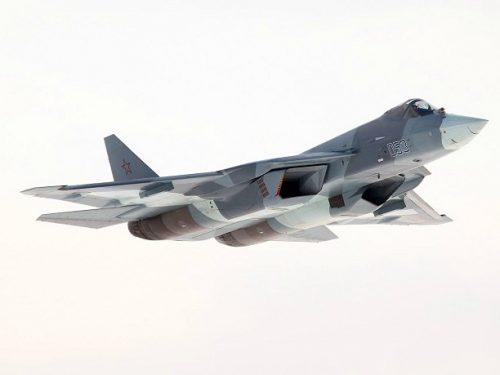 Il nuovo caccia Su-57 oblitera il monopolio statunitense sugli stealth