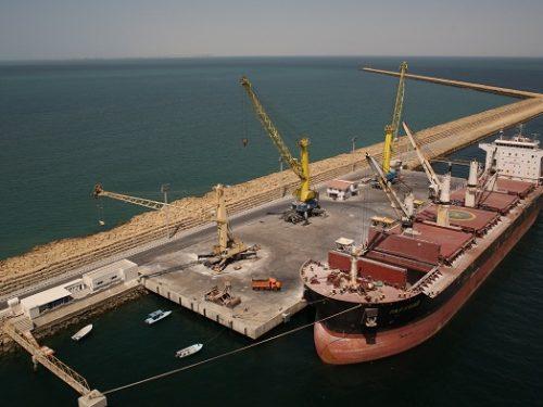 La Cina importa petrolio dall'Iran nonostante le sanzioni USA