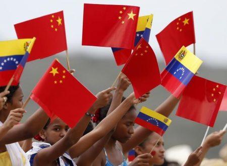 Venezuela e Cina ampliano le raffinerie di petrolio sfidando le sanzioni USA