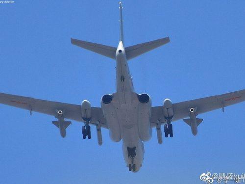 Bombardieri cinesi trasportano missili ipersonici
