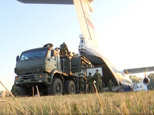 La Russia schiera gli S-400 in Serbia