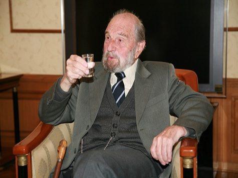 Il leggendario agente sovietico George Blake compie 97 anni