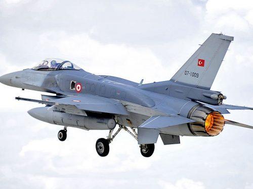 La Turchia testa l'S-400 usando gli F-16