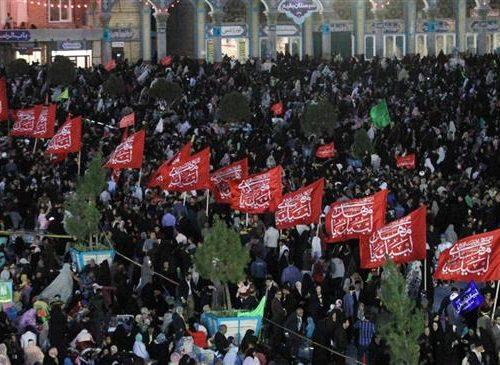 """Sulla moschea Jamkaran sventola la bandiera di """"Guerra"""", indicando vendetta per l'assassinio di Qasim Sulaymani"""