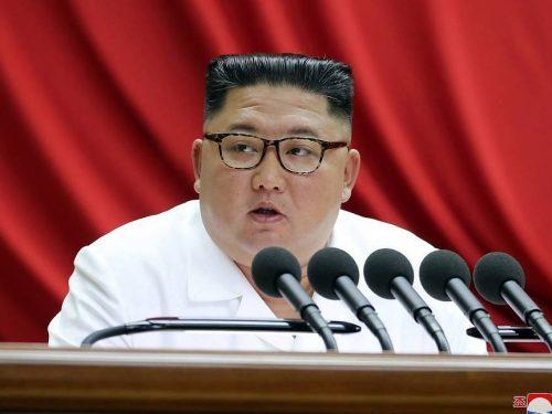 Il leader nordcoreano promette di svelare nuove armi strategiche