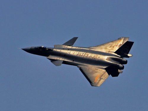 La Cina svela il primo aviogetto da combattimento di Sesta generazione del mondo?