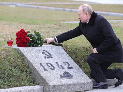 'Chiuderemo la loro zozza bocca': Putin contro la riscrittura della storia