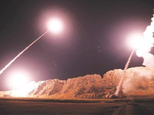 L'Iran bombarda una base aerea statunitense in Iraq