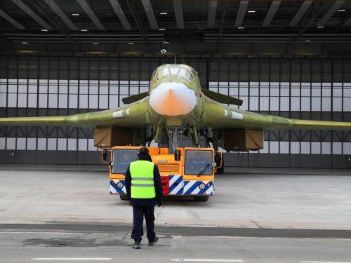 Il nuovo bombardiere russo Tu-160M decolla per la prima volta