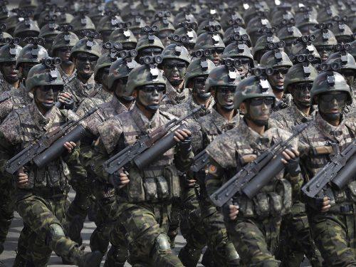 La RPDC ha i mezzi: 4300 carri armati e 200000 letali forze speciali