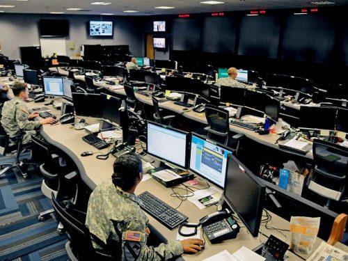 Le forze cibernetiche manipolano l'opinione pubblica