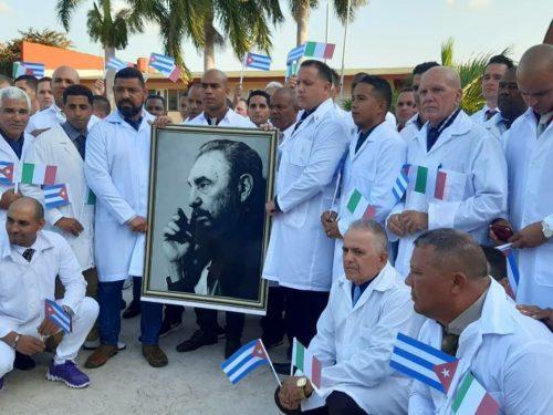 Cuba è guidata dall'esempio rivoluzionario
