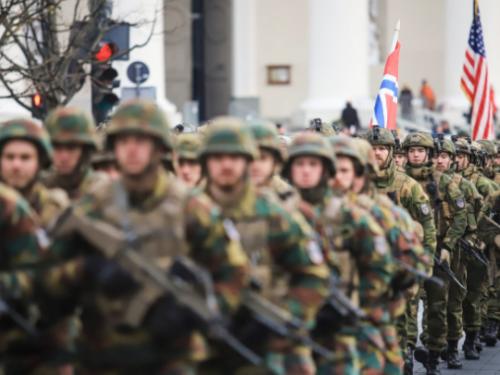 NATO e COVID-19: una malattia parassitaria in Europa