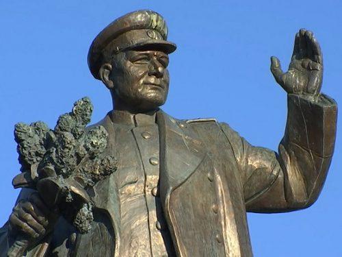 """Il Monumento a Konev e la natura delle 'democrazie' della """"nuova Europa"""""""