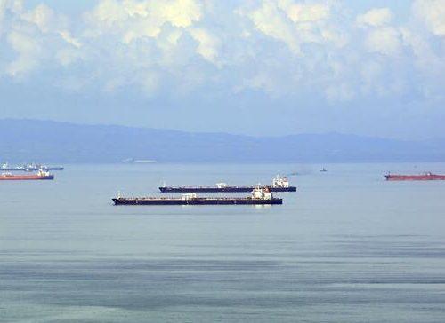 Le petroliere iraniane arrivano in Venezuela, protette in aria e mare