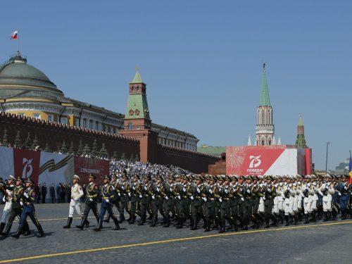 """La partecipazione del PLA alla parata russa dimostra """"una solida partnership strategica"""""""