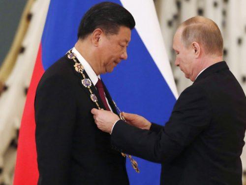 """La Russia sventa la politica statunitense di """"contenimento"""" della Cina"""