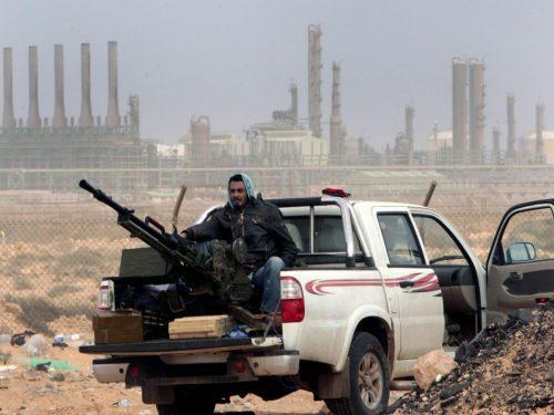 Bernard-Henri Lévy cacciato dalla Libia