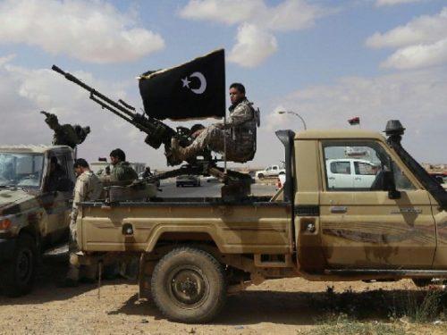 L'Europa aiuta gli Stati Uniti a distruggere la Libia, e ne accusa la Russia
