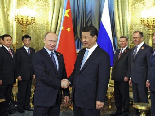 Xi e Putin difendono l'umanità a Davos