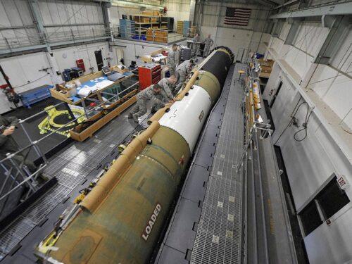Cosa c'è dietro il nuovo sistema missilistico da 100 miliardi di Biden?