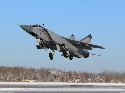 Perché la NATO teme gli intercettori MiG-31 russi