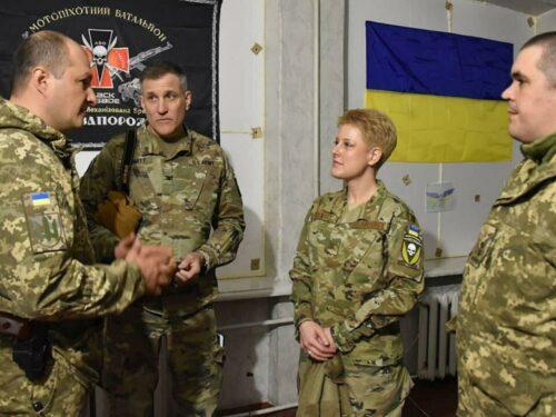 """L'insulto """"Testa di morto"""" dell'addetto USA che minaccia la guerra mondiale in Ucraina"""