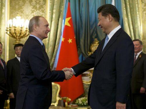 """Cina e Russia sistemano il """"disordine globale"""" durante la ritirata degli Stati Uniti"""