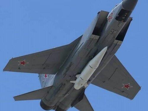 Le armi ipersoniche russe appaiono sul fianco meridionale della NATO