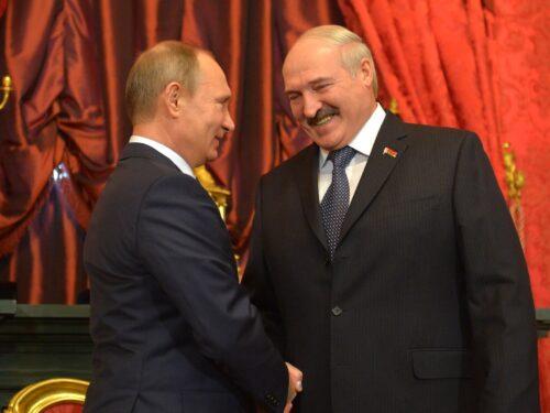 Putin promette sostegno alla Bielorussia contro le minacce estere