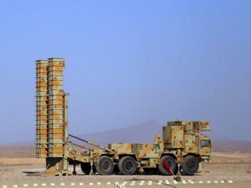 L'Iran svela il nuovo sistema di difesa aerea Bavar-373