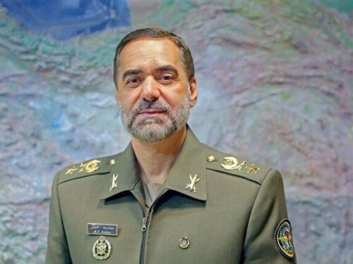 """Il comando iraniano sollecita la produzione di armi """"sorprendenti"""""""
