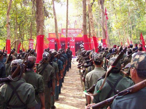 I maoisti pianificano la guerriglia urbana in India